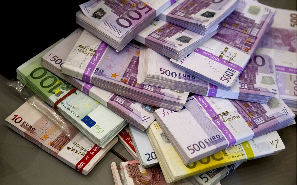 euro geld FamilieNieuws Suriname