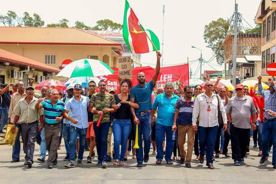 protest Paramaribo FamilieNieuws