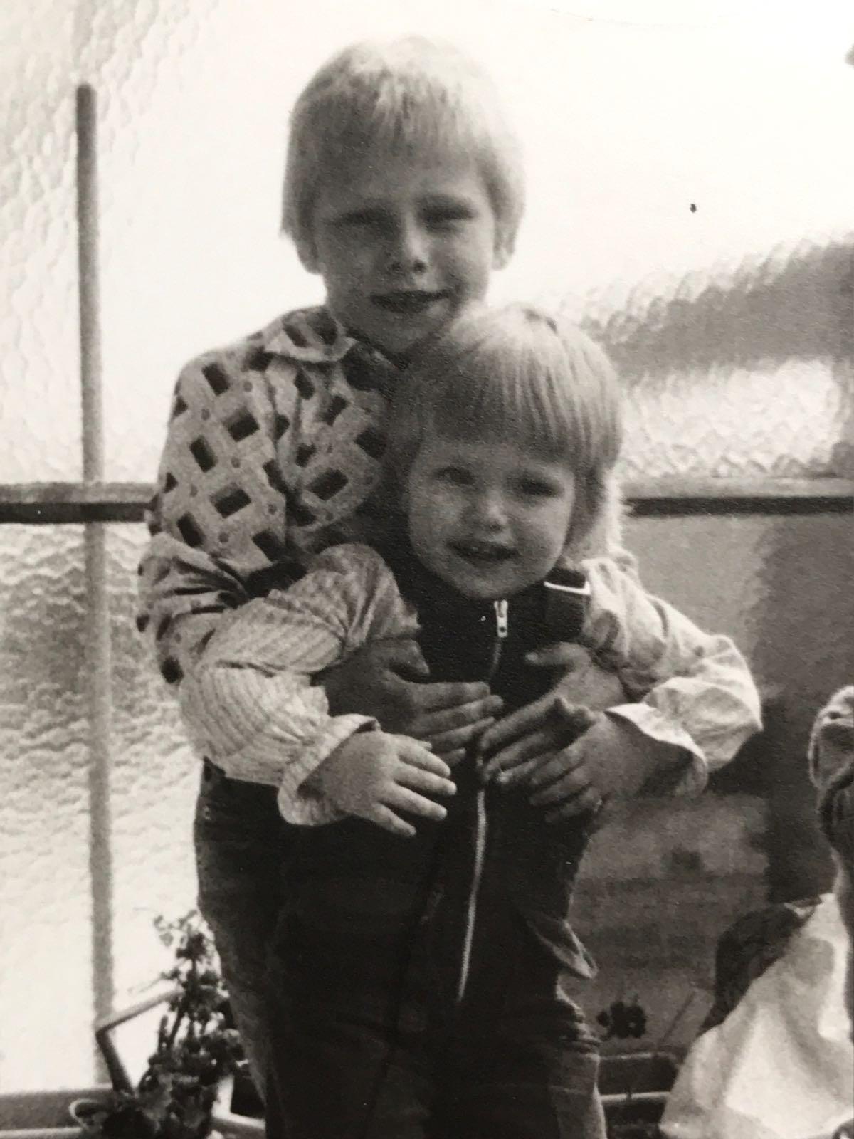 Mijn zus en ik - FamilieNieuws.com