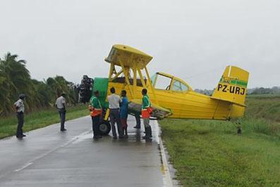 vliegtuig Ryan Overeem noodlanding Suriname FamilieNieuws Nickerie 1
