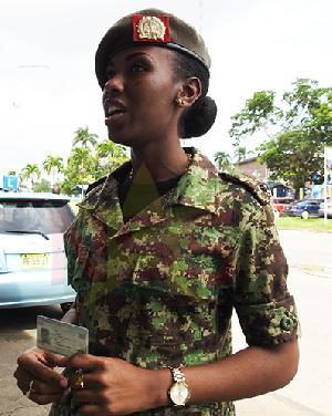 geslaagd bromfiets politie Suriname FamilieNieuws