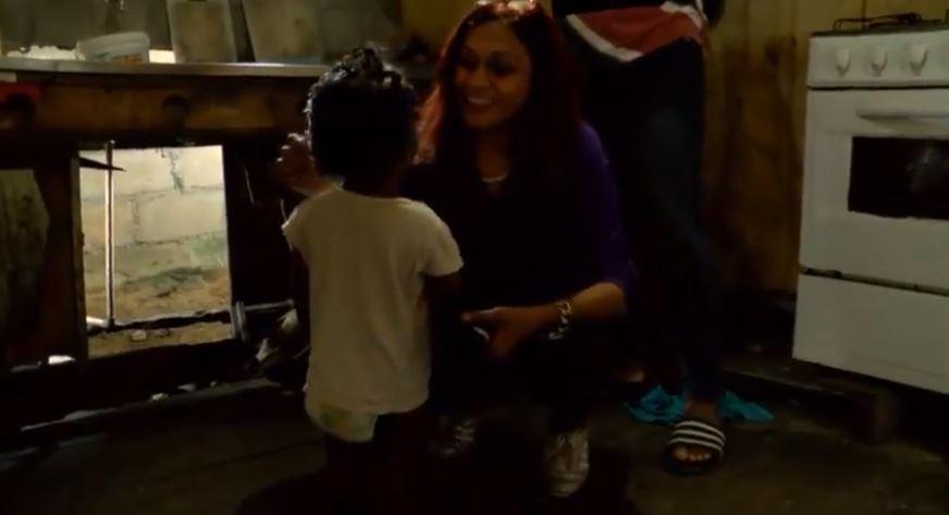 moeder 4 kinderen FamilieNieuws Suriname