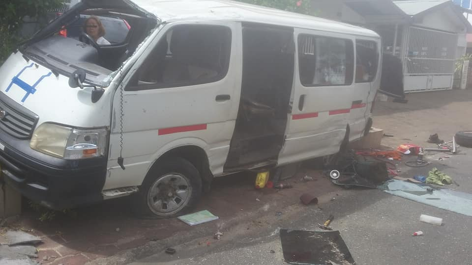 Schoolbus Suriname