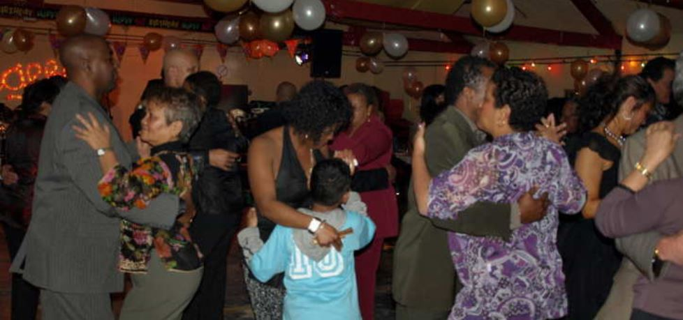 feestje Paramaribo