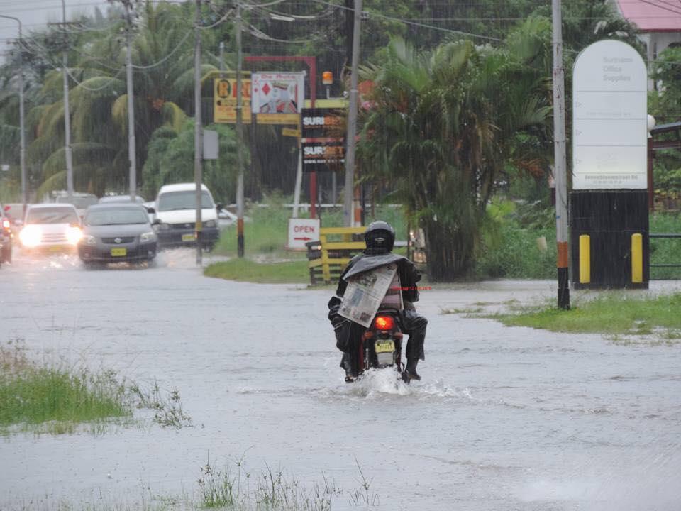 regen Suriname