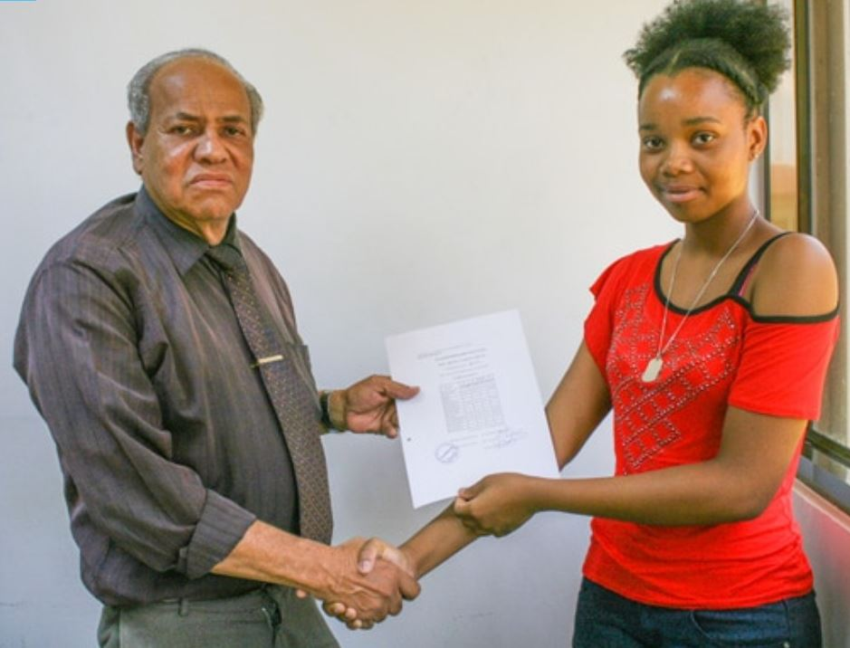 geslaagd Paramaribo
