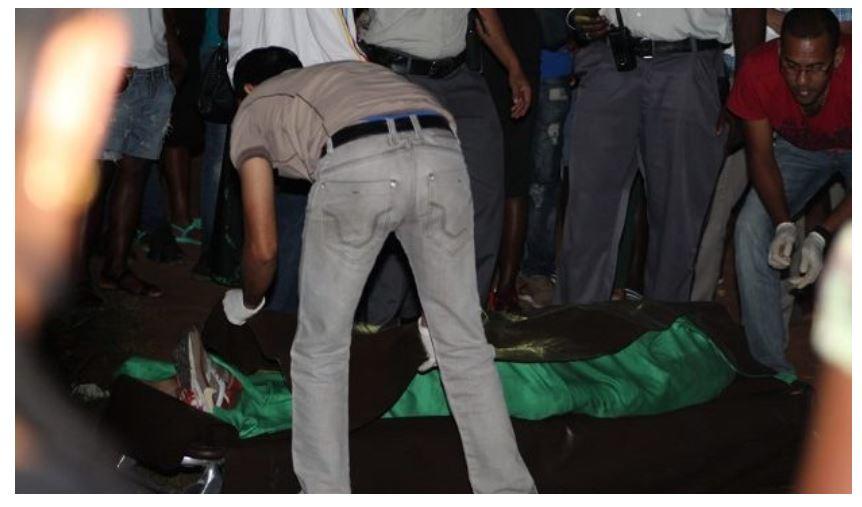 feestje politie Paramaribo