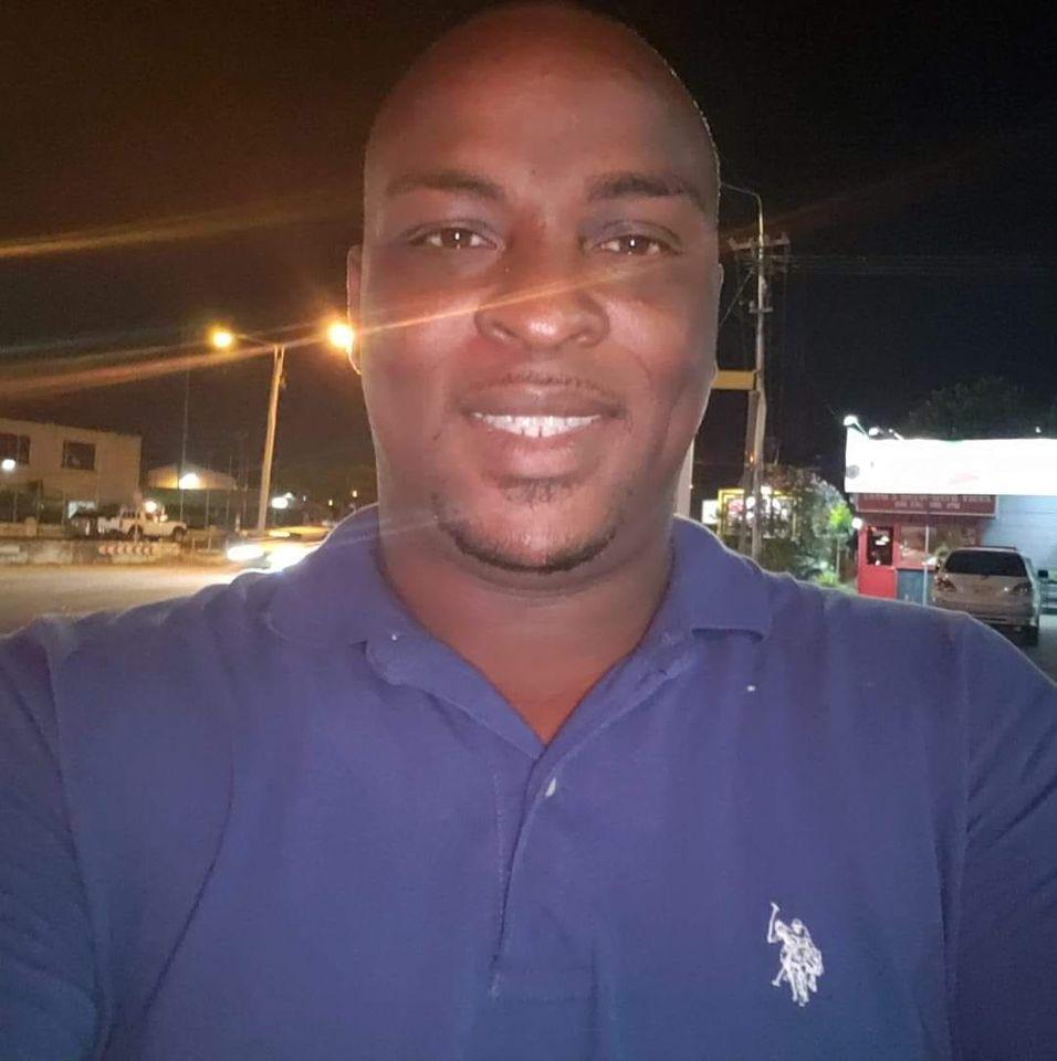stev Esajas Suriname Coronie
