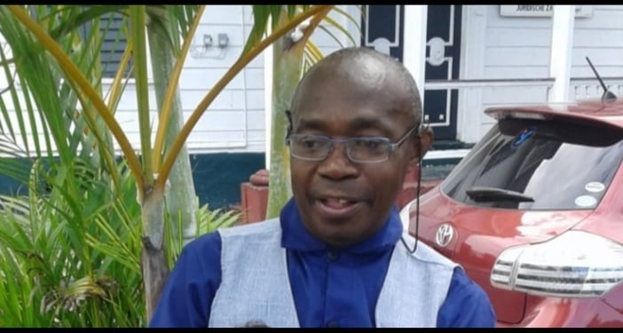 Overleden Lugard Frans Guyana