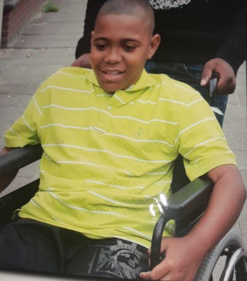 Onze 22-jarige zoon Xavier Brewster is overleden in Suriname – foto's