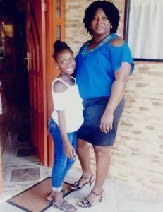 moeder dochter Suriname