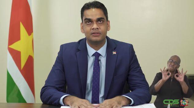Video statement verscherpte maatregelen vanaf morgen – Avondklok vervroegd naar 2100 uur – Suriname