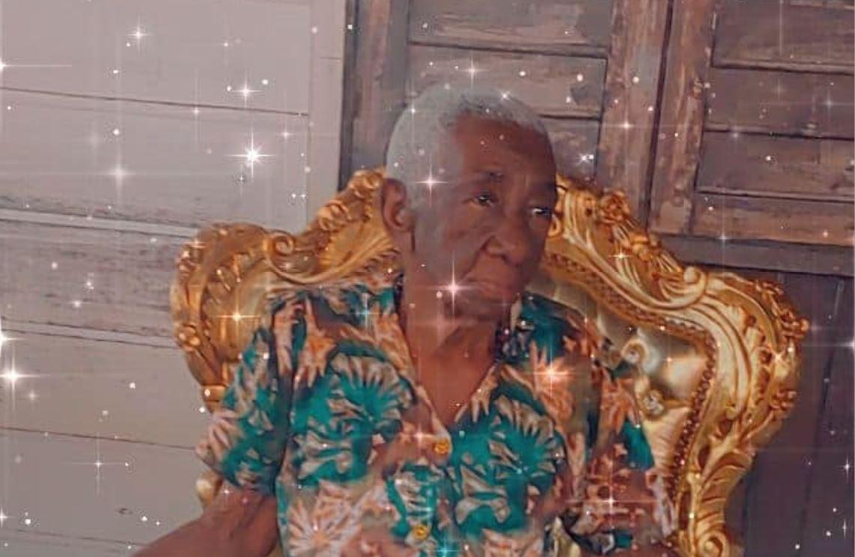 Oma Lonsia Apensa uit Suriname is vandaag 100 jaar – foto's