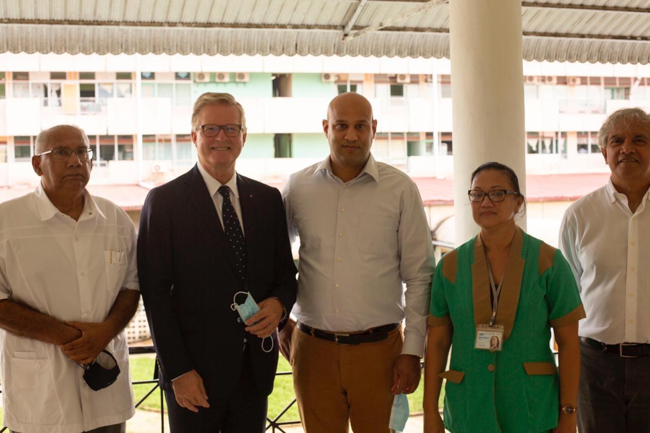 Unieke hersenoperatie uitgevoerd in ziekenhuis Paramaribo – foto's