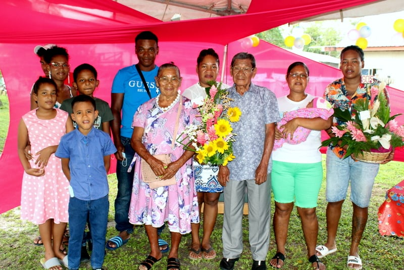 Echtpaar Lingaard-Biswane uit Suriname 60 jaar getrouwd – foto's