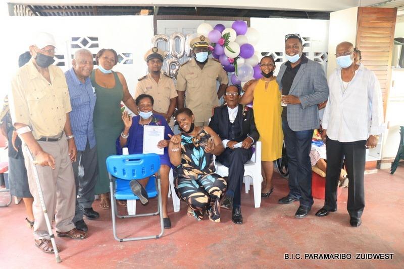 Echtpaar Naarden – van Hetten uit Paramaribo is 60 jaar getrouwd – foto's