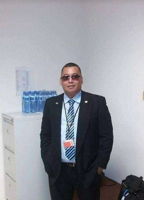 Robert Ramadhin Suriname
