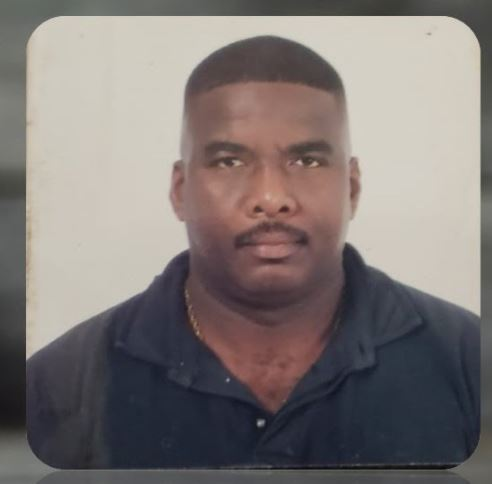 Burnst politie Suriname