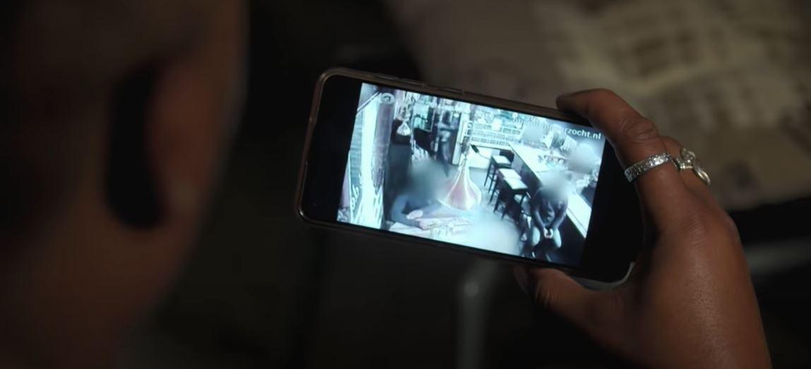 Video's  – Jonge vader per ongeluk neergeschoten in Amsterdams café